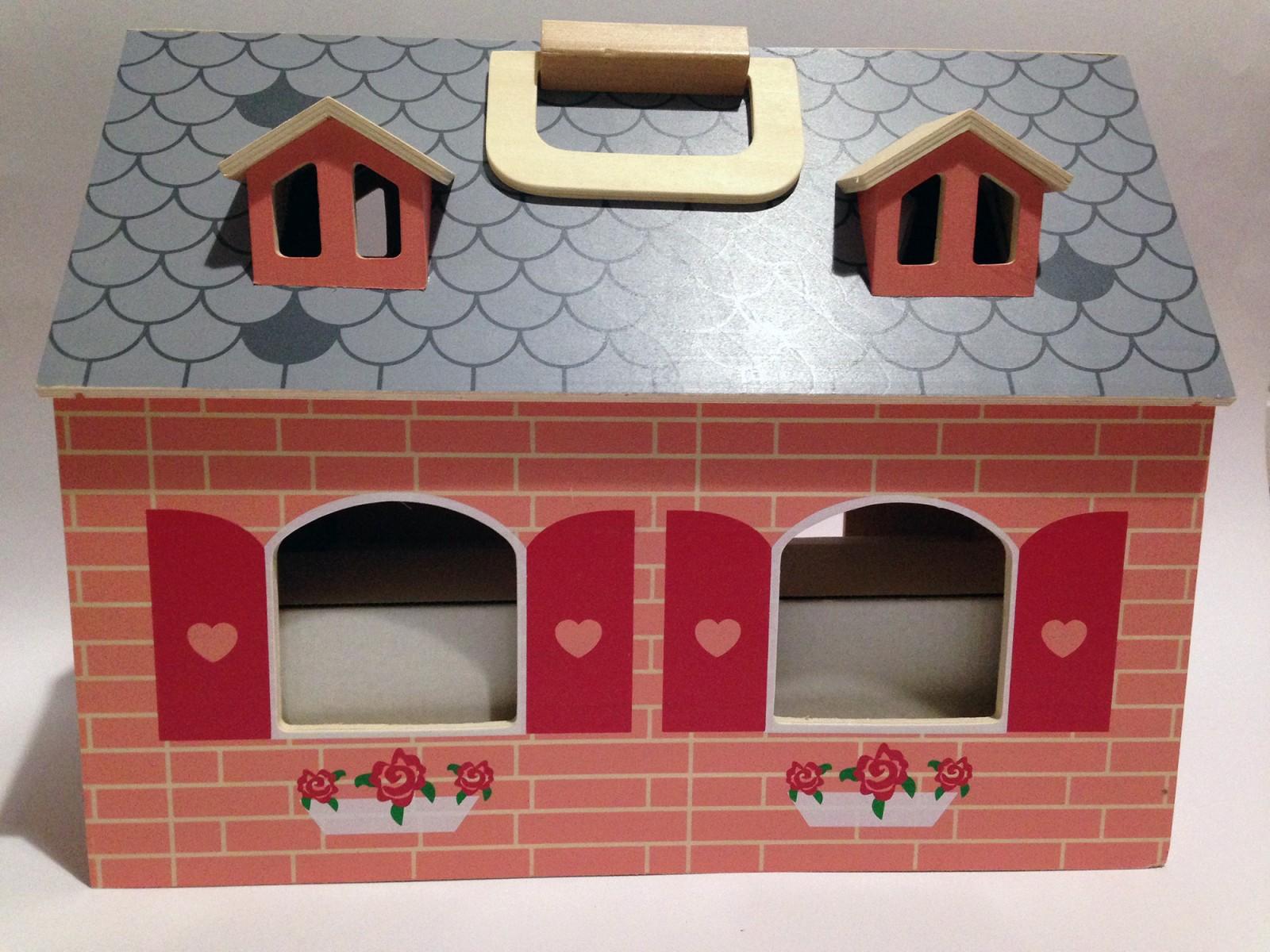 maison de poup e transportable en bois jouets de seconde main suisse romande. Black Bedroom Furniture Sets. Home Design Ideas
